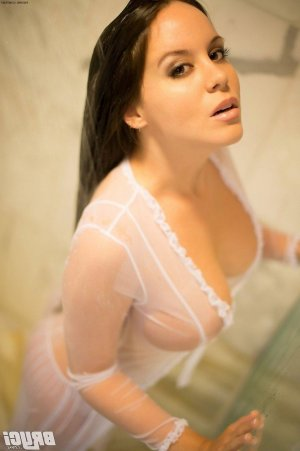 Kaylah mature escort in Wolfsburg